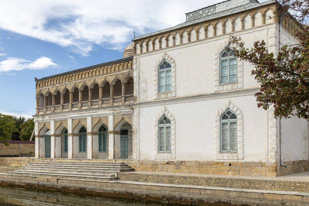 Il palazzo d'estate. Museo delle arti decorative e applicate di Bukhara.